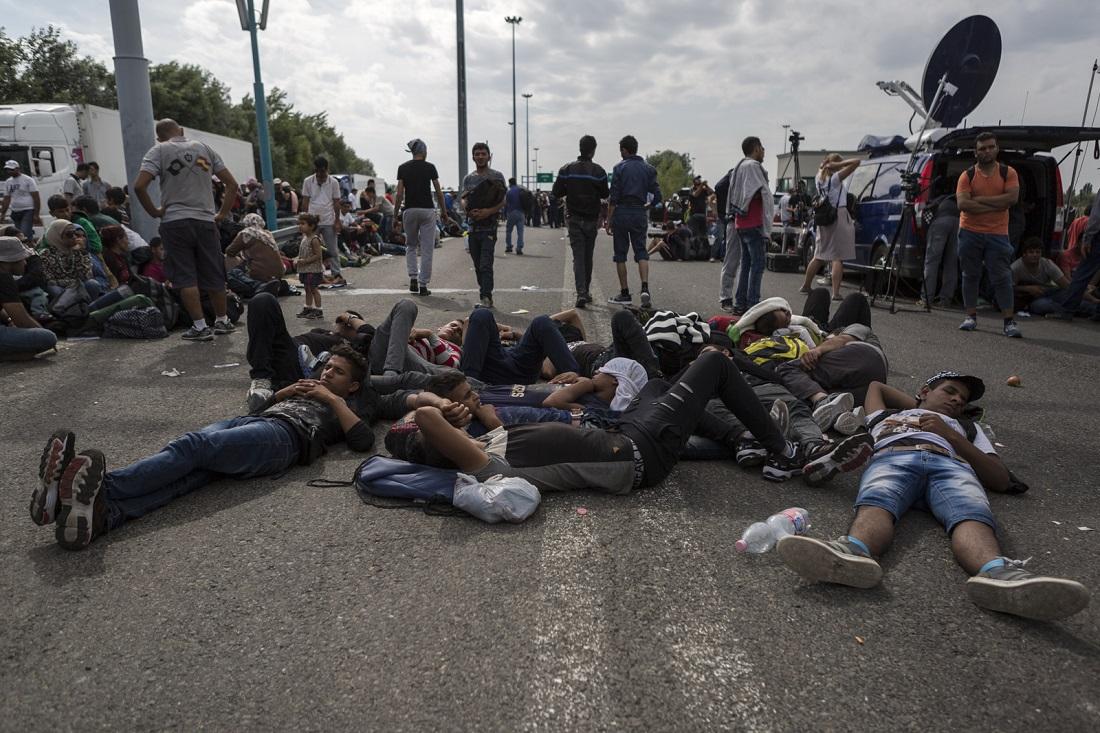 Беженцы в Германии: Меркель обещает полную перезагрузку