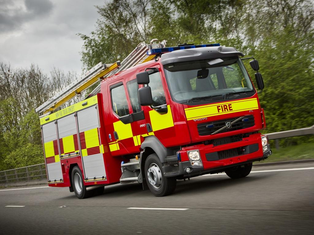 В Лондоне произошел крупный пожар на хлебопекарне